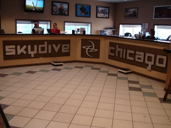 Skydive Chicago sign